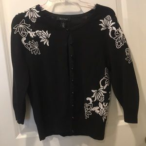 Cardigan sweater 3/4 length sleeve